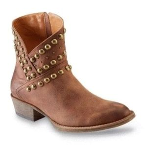 Coconut by Matisse Cowgirl Studded Booties